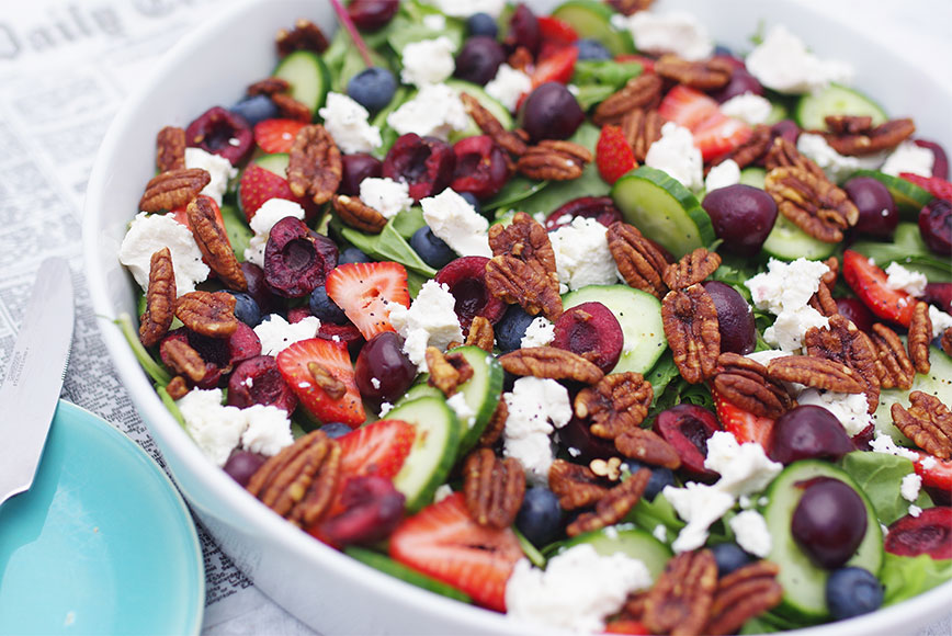SPINACH-SALAD-WITH-BERRIES-&-CHERRIES